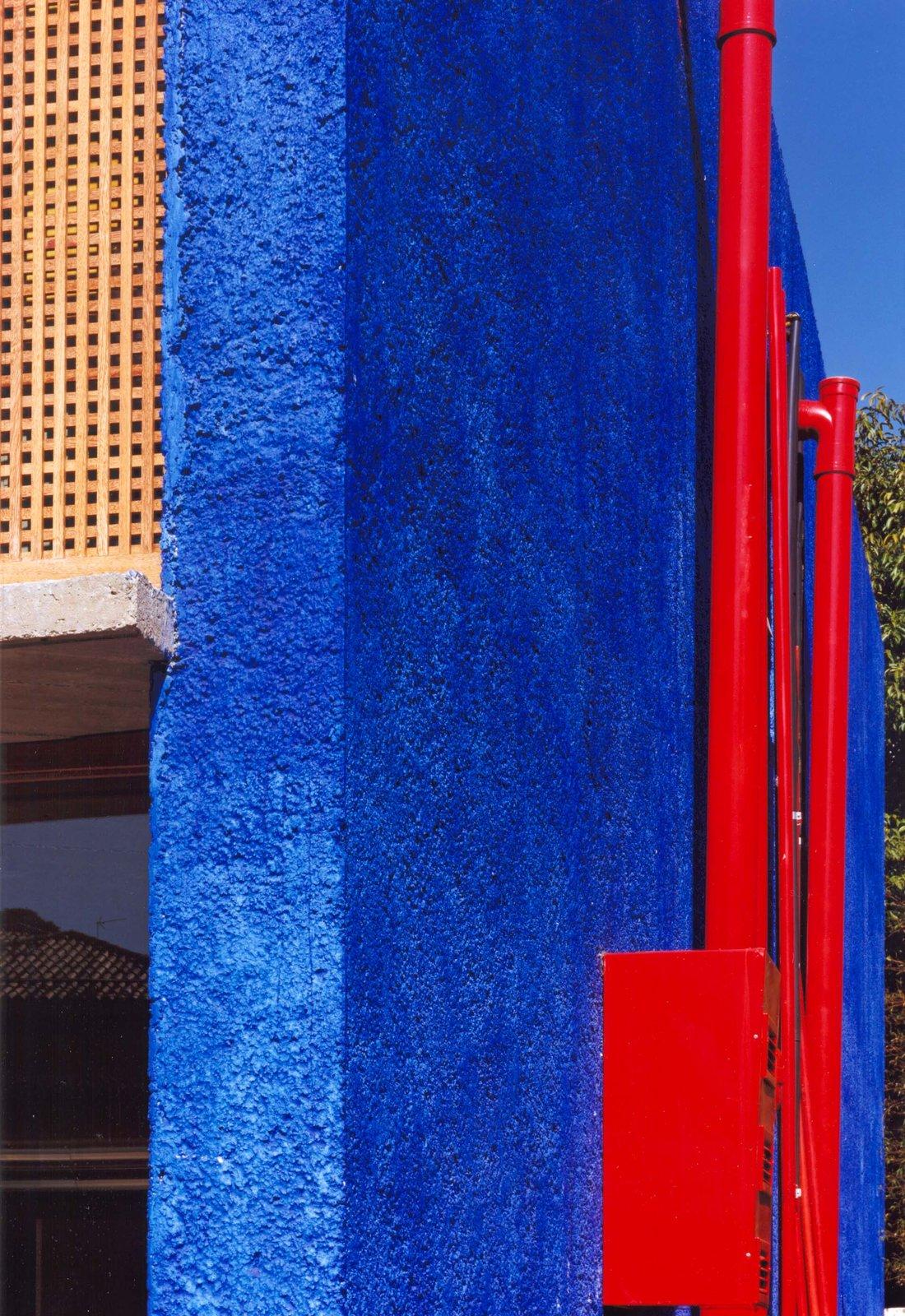 5- detalhe muro azul.jpg